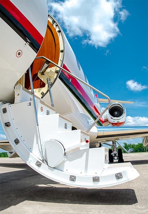 Bombardier Challenger 300 Boarding Steps