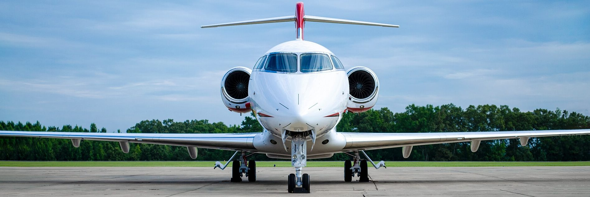 Challenger 300 Front View